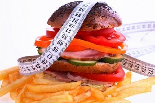 в каких продуктах содержится много холестерина